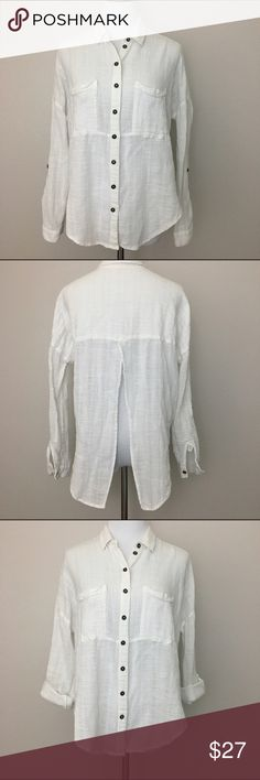 """Free People shirt with back slit for sexy back, M Free People modern twist on a white button down long sleeve shirt with slit middle back to show off those sexy back.   Fabric is 100% cotton. Machine washable.  Size Medium Armpit to armpit 24"""" Length 24"""" Approximate only.  Pre-owned in great condition.  Stored in a smoke and pet free household.  Please see pictures for details or asks any questions before buying to avoid return! Free People Tops"""