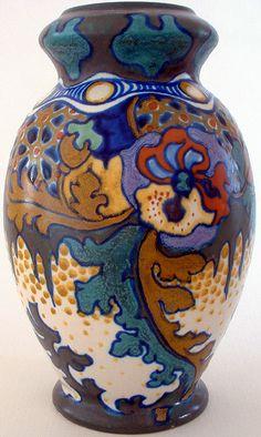 Corona, large vase, Gouda Netherlands