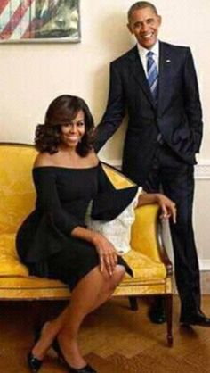 President Barack Obama and Michelle Obama Black Presidents, American Presidents, Presidents Wives, Michelle Obama Fashion, Michelle And Barack Obama, First Black President, Our President, Black Power, Beautiful Black Women