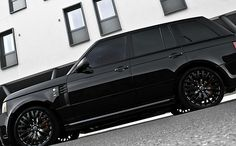 Range Rover Black Label Edition who ever i marry better be able to afford to buy this.. just sayin'