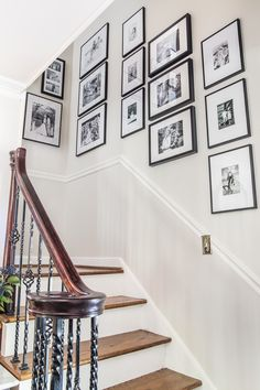 Our Updated Family Stairway Gallery Wall - Bless'er House cadre deco cage escalier soubassement Stairway Gallery Wall, Stair Gallery, Modern Gallery Wall, Gallery Wall Frames, Gallery Walls, Ideas For Stairway Walls, Stairway Pictures, Stair Wall Decor, Stair Walls