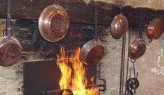 Pentole e distillatori casalinghi in rame oltre a essere belli e mantenere un ottimo grado di calore, devono essere utilizzati con un po' di sapienza per non incappare in problemi di salute. La parola all'esperta