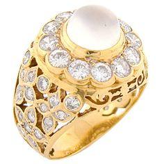 Moonstone & Diamond Handmade 18K Yellow Gold 1950's Ring