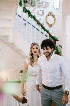 Niina Secrets e Guilherme Oliveira: Fotos do Casamento Civil na Casinha Quintal Youtubers, Panama Hat, Dream Wedding, Wedding Dresses, Style, Dreams, Fashion, Courthouse Wedding Photos, Bride Groom Dress