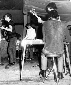 The Velvet Underground Photo sur The Velvet Underground, Kinds Of Music, Music Is Life, Live Music, Pop Rock, Rock N Roll, 60s Music, Blues Music, New Wave