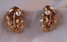Women's costume jewelry gold tone leaf design with faux pearl clip on earrings