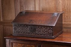Early century oak carved writing slope, the front board carved with intersecting strap work with central lock plate. Antique Wooden Boxes, Antique Desk, Vintage Wood, Vintage Stuff, Carved Wood Signs, Lap Desk, Box Patterns, Old Boxes, Wood Storage