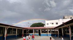Observando el arco iris a las ocho de la mañana
