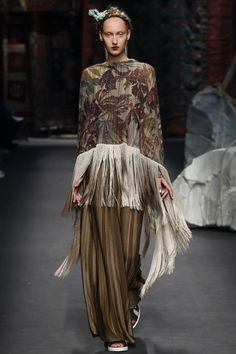 See all the Collection photos from Antonio Marras Spring/Summer 2016 Ready-To-Wear now on British Vogue Fashion Tv, Live Fashion, Fashion Week, Runway Fashion, Fashion Show, Milan Fashion, Antonio Marras, Vogue, Spring Summer 2016