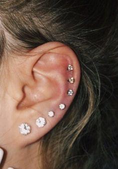 Unique Ear Piercings, Female Piercings, Cool Piercings, Piercings For Girls, Nail Piercing, Bellybutton Piercings, Piercing Tattoo, Cute Industrial Piercing, Tiny Nose Studs