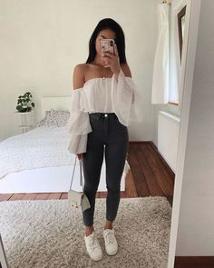 25 casual and cute summer outfits Casual Summer Outfits Casual Cute outfits Summer Warm Outfits, Cute Casual Outfits, Cute Summer Outfits, Stylish Outfits, Casual Summer, Outfit Summer, Ootd School Summer, Stylish Eve, Late Summer