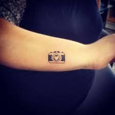 Resultado de imagem para tattoo camera fotografica