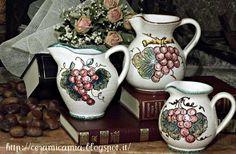 #Brocca di #ceramica italiana, decorata a mano per il #Vino #Deruta #Italy http://ceramicamia.blogspot.it/2013/01/brocca-di-ceramica-decorata-mano.html