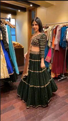Party Wear Indian Dresses, Pakistani Fashion Party Wear, Designer Party Wear Dresses, Indian Gowns Dresses, Indian Bridal Outfits, Indian Bridal Fashion, Dress Indian Style, Indian Fashion Dresses, Indian Designer Outfits