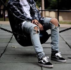 Super Genius Cool Tips: Urban Wear Swag Jackets urban fashion jeans style. Sneakers Mode, Sneakers Fashion, Fashion Moda, Urban Fashion, Street Outfit, Street Wear, Vans Outfit Men, Vans Men, Mode Hip Hop