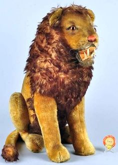 Vintage Steiff Sitting Lion.