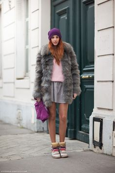 sneakers,  big fur coat, beanie, filmy skirt