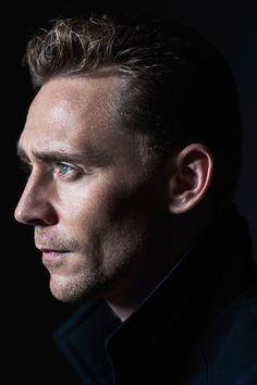 Tom Hiddleston photographed by Jeff Vespa during the 2015 Toronto Film Festival on September 14, 2015. Full size image [UHQ]: http://ww1.sinaimg.cn/large/80336770gw1ewp5oo14svj21kw2d9h3m.jpg Source: Torrilla, Weibo