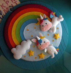 unicorni - birth wreath - unicorn simpatico fiocco nascita - ghirlanda realizzato in feltro colorato con applicazione di nastrini, perline ed oggetti decorativi il lavoro è stato tagliato ed accuratamente cucito interamente a mano ideale per annunciare la nascita di un bimbo oppure