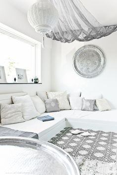 Lounge with a moroccan touch... Voor de veranda