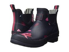 Pink and Black Short Rain Boots - These Pink and Black Joules Wellibob Chelsea Waterproof Boot - Short, sweet, and always stylish. Embraced polished practicality with the Joules®️️️ Wellibob Chelsea Boot. Short Boots Outfit, Short Rain Boots, Women's Lace Up Boots, Beige Boots, Best Waterproof Boots, Calf Boots, Women's Boots, Cross Training Shoes, Womens Fashion Sneakers