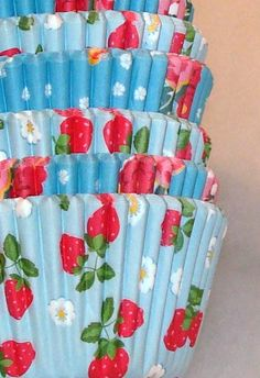 Cupcake liners with strawberries