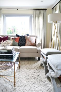 Read More: http://www.stylemepretty.com/living/2015/06/01/charming-living-room-retreat/