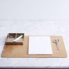 Leather desk mat and vide poche bronze