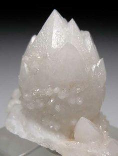 Quartz  Bor Quarry, Dalnegorsk, Russia thumbnail - 2.4 x 2 x 1.5 cm