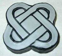II part http://www.tokensbeads.com/celtic_knot_cane_part_II.htm  III part http://www.tokensbeads.com/celtic_knot_cane_part_III.htm