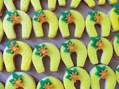 dorty,cukroví a jine sladkosti | Cukroví Czech Recipes, Tea Time, Biscuits, Peach, Treats, Candy, Cookies, Food, Relax