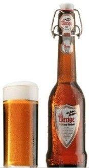 Cerveja Uerige Alt, estilo Altbier, produzida por Uerige Obergärige Hausbrauerei, Alemanha. 4.7% ABV de álcool.