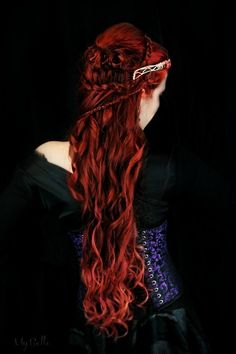 Photography - Beauty auburn and red hair on Her-Hair - deviantART Couleur Ombre Hair, Pretty Hairstyles, Braided Hairstyles, Elven Hairstyles, Fairytale Hair, Fairytale Fashion, Celtic Hair, Gorgeous Hair, Beautiful