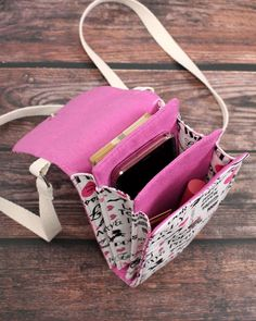 Diy Purse, Diy Bags Purses, Cell Phone Purse, Diy Phone Bag, Pochette Portable, Bag Patterns To Sew, Denim Bag Patterns, Diy Sac, Craft Bags