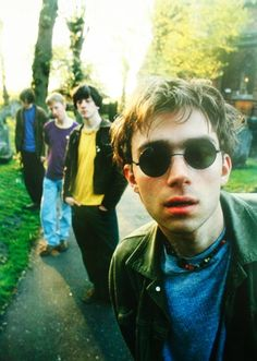 Find images and videos about blur, damon albarn and graham coxon on We Heart It - the app to get lost in what you love. Damon Albarn, Gorillaz, Foo Fighters, Radiohead, Bon Jovi, Music Stuff, My Music, Music Life, Blur Band