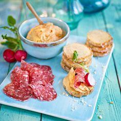 Parmesankex med salami och tomatkräm