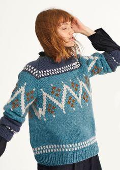 Tussa E-post :: Kortreist og VAKKER NORSK STRIKK!🗻 Blue Sweater Outfit, Sweater Outfits, Matilda, Tweed, Raglan Pullover, Angora, Blue Sweaters, 7 And 7, Nepal