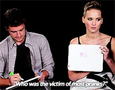 really funny pic of jennifer lawrence and josh hutcherson  | jennifer lawrence