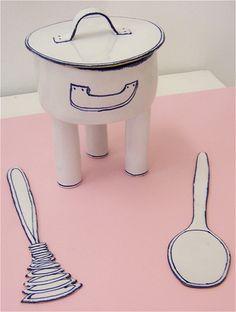 「Pot, ladle, whisk(ポット、レードル、泡立て器)」。ポットは立体なのに、レードルと泡立て器は平面。おもしろいですね。