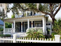What I wouldn't do for a house with a porch and a live oak in the yard.