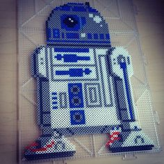 R2D2 Star Wars hama beads by  smargetts
