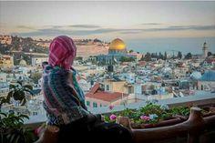 لا يلزمك ان تكون فلسطينياً لتحب فلسطين ، حبها لا يعرف جنسية ولا هوية ، حبها يكون بالفطرة ، شيء يُشبه حبنا لأمهاتنا بلا تفكير ❤