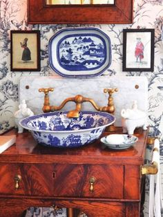 Porcelain sink, blue willow china, blue china, blue and white china, blue w Blue Willow China, Blue And White China, Blue China, Granny Chic Decor, Chinoiserie Chic, White Decor, Beautiful Bathrooms, White Porcelain, Porcelain Sink