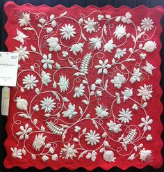 Ormond Beach Quilts: Longarm Quilting Services: AQS, Des Moines, 2011! Spring Romance by Deborah Kemball: (This is HAND quilted! And hand appliqued, and hand trapunto-ed, and hand embroidered......)