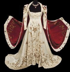 """Click photo for link. Desirée Marlon Brando """"Napoleon Bonaparte"""" coronation Merle Oberon """"Empress Josephine"""" Coronation gown with velvet and ermine robe from Desirée Merle Oberon, Theatre Costumes, Movie Costumes, Historical Costume, Historical Clothing, Historical Romance, Medieval Clothing, Beautiful Gowns, Beautiful Outfits"""
