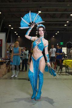 Kitana cosplay costume from Mortal Kombat 9 Kitana Costume, Kitana Cosplay, Mortal Kombat Costumes, Mortal Kombat Cosplay, Mortal Kombat 9, Halloween Costumes For 3, Costumes For Women, Cosplay Outfits, Cosplay Girls