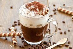 Sütlü köpüklü türk kahvesi