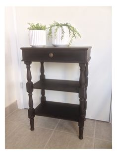 Annie Sloan Chalk Paint Graphite Annie Sloan Chalk Paint Graphite, Entryway Tables, Projects, Painting, Furniture, Home Decor, Log Projects, Decoration Home, Room Decor