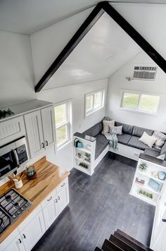 Tiny House Trailer, Tiny House Cabin, Tiny House Living, Tiny House Plans, Tiny House On Wheels, Home And Living, Living Rooms, Small Room Design, Tiny House Design