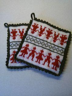 Ravelry: Scandinavian Design Mat pattern by Keiko Katayama Double Knitting Patterns, Dishcloth Knitting Patterns, Knit Dishcloth, Knitting Charts, Knitting Designs, Free Knitting, Knitting Projects, Knitting Ideas, Bubble